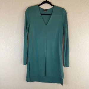 Trouve tunic v-neck modal high-low hem jade green